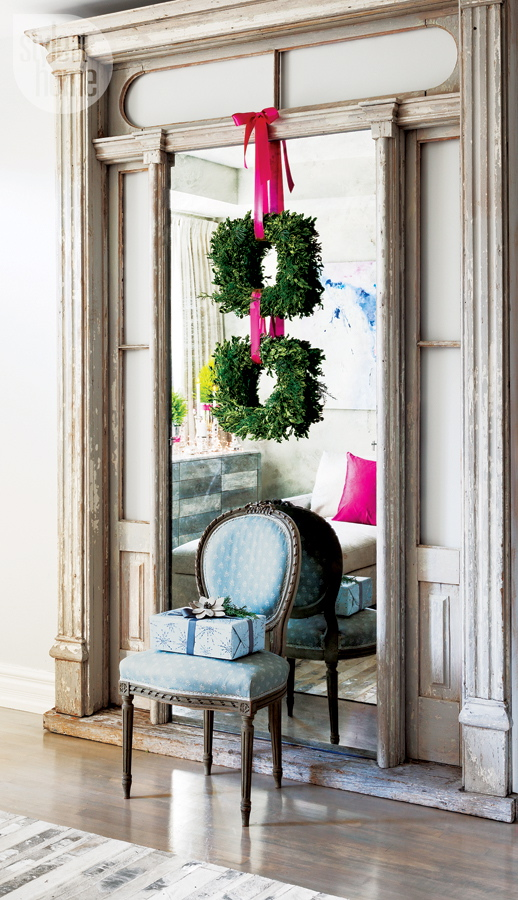 interior-elegant-pink-mirror