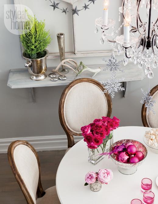 interior-elegant-pink-table