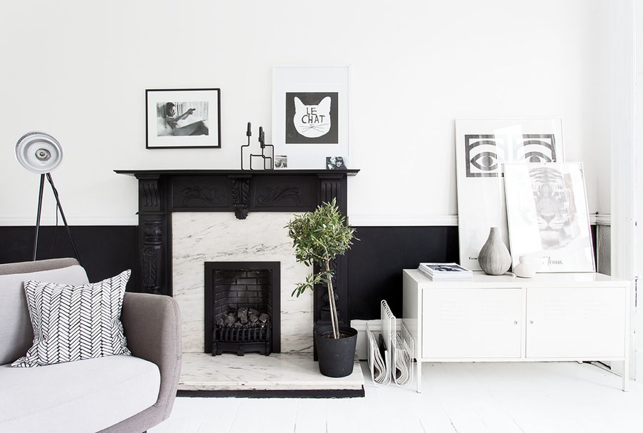 The-black-and-white-home-of-Deborah-Gordon-1